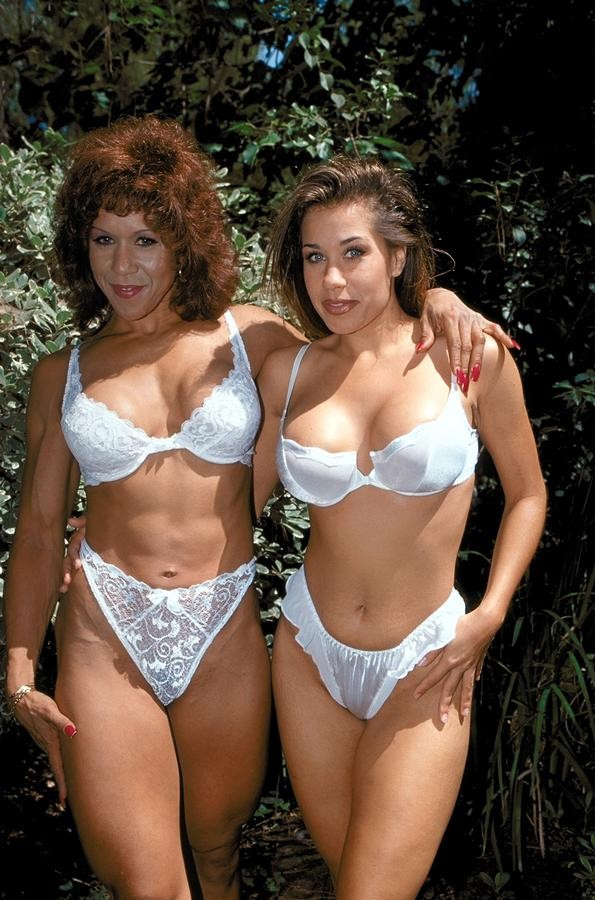 Hornybrazilian mothers and not daughters 2 part 1avi - 4 8