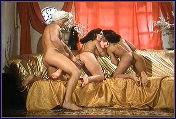 seks-video-v-tualete-kluba