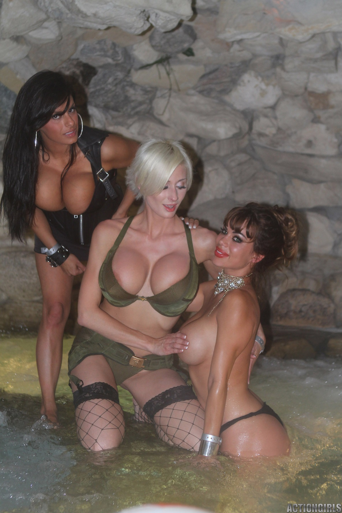 Girls of the playboy mansion sex video  fucking pic