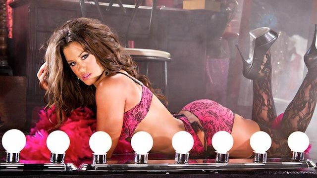 Brooke-Tessmacher-FB10