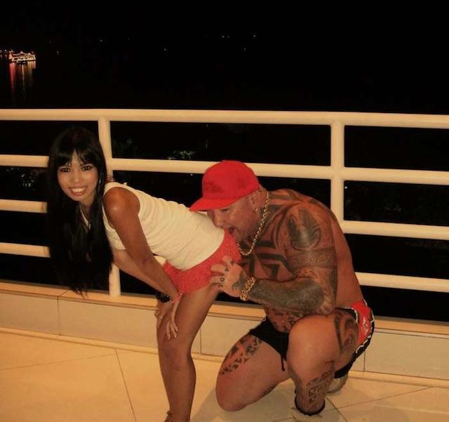 Tim Sharky Ward thai naked amateur photo