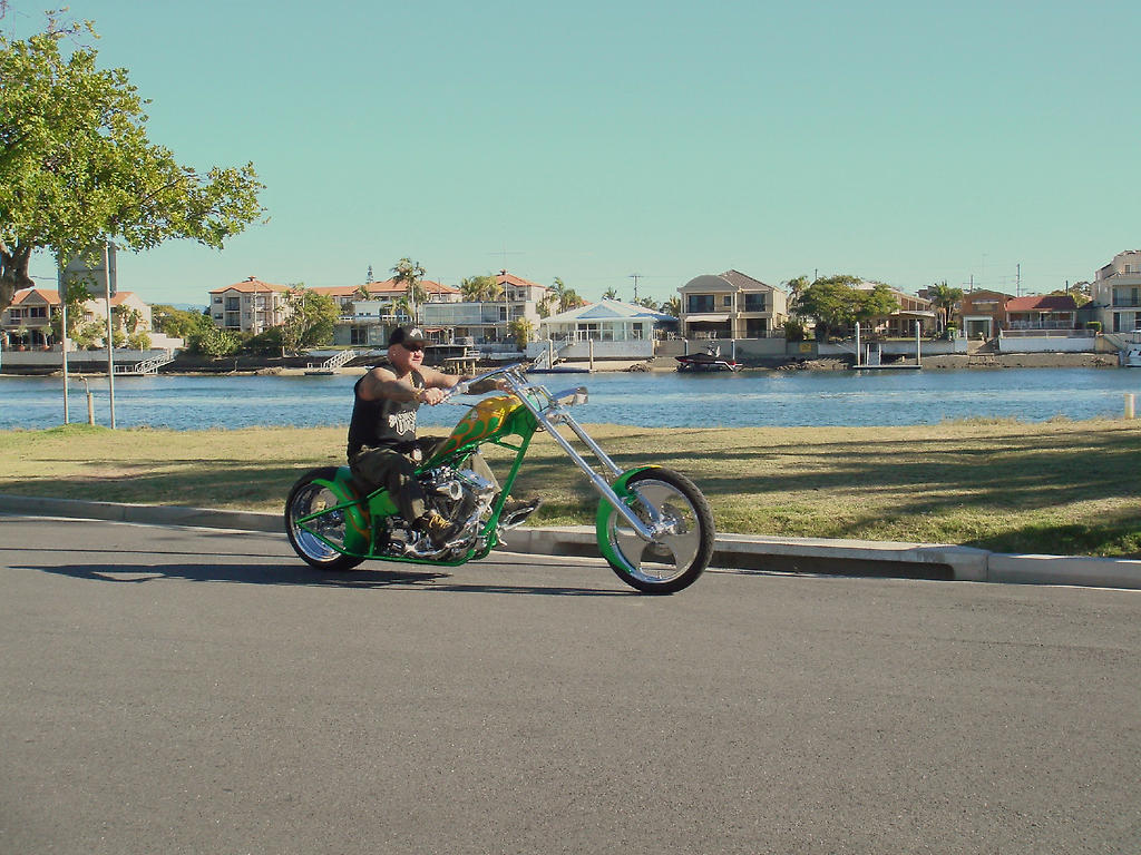 tim-sharky-green-chopper-bike