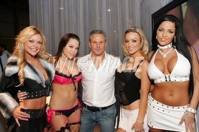 The new king of porn Steve Hirsh with some of his girls (Sunrise Adams, Brea Lynn, ?, Lanny Barbie)
