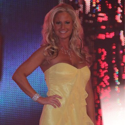 Tamara Sytch Sunny twitter WWE Hall of Famer